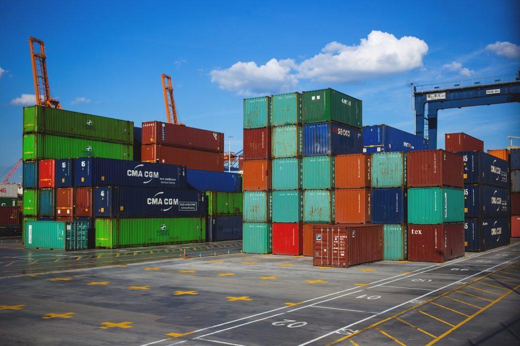 Bild mit Iso-Containern